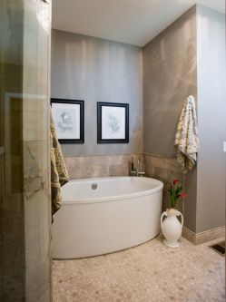 Hadley custom Home bath